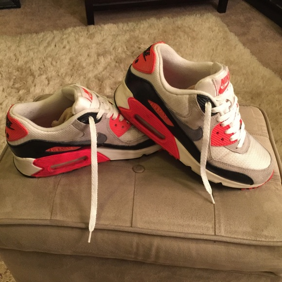 NIKE AIRMAX 90 Size 6 youth= Size 7.5 womens